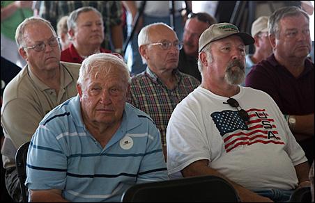 Farmfest attendees listen as gubernatorial hopefuls make their case.