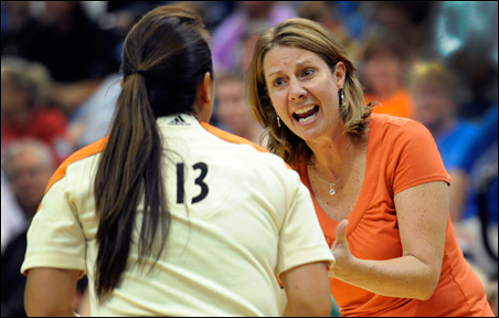Lynx coach Cheryl Reeve argues a call with an official during Friday's victory over the San Antonio Silver Stars at Target Center.