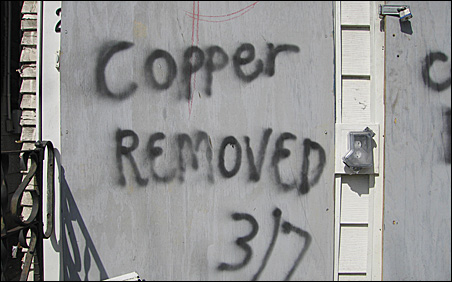 Message to scrappers on a house in Northeast Minneapolis.