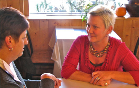 Newly elected 5th Ward Council Member Amy Brendmoen confers with Council President Kathy Lantry.