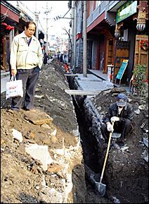 Hutong construction