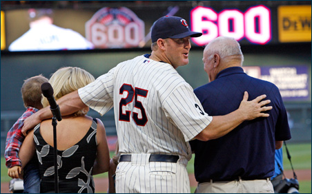 Jim Thome stands with members of his family at last week's ceremony celebrating his 600th career home run.