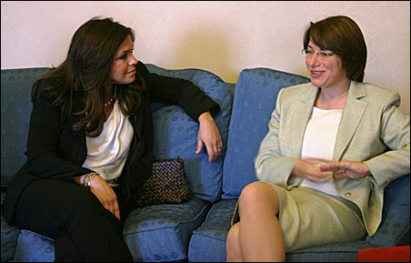 Sen. Amy Klobuchar, right, and Rachael Ray discuss children's nutrition at a meeting prior to the press conference on Tuesday. Photo c/o Klobuhchar's office.
