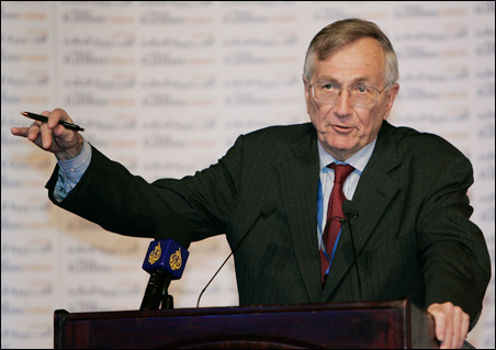 Investigative reporter Seymour Hersh describes 'executive ...