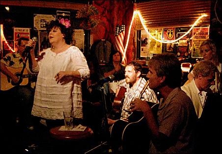Saturday night at Banjo Jim's: three Hoots in one.