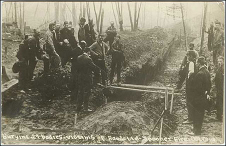Burying victims of the Baudette-Spooner fire.