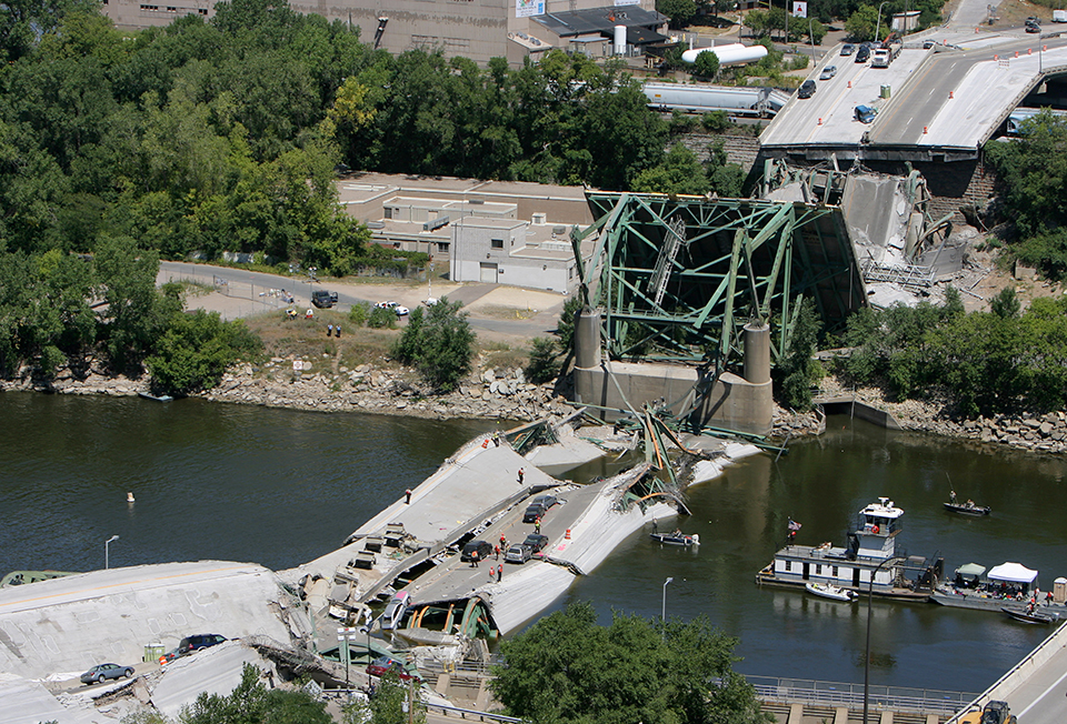 What is the legacy of the 35W bridge collapse on Minnesota politics