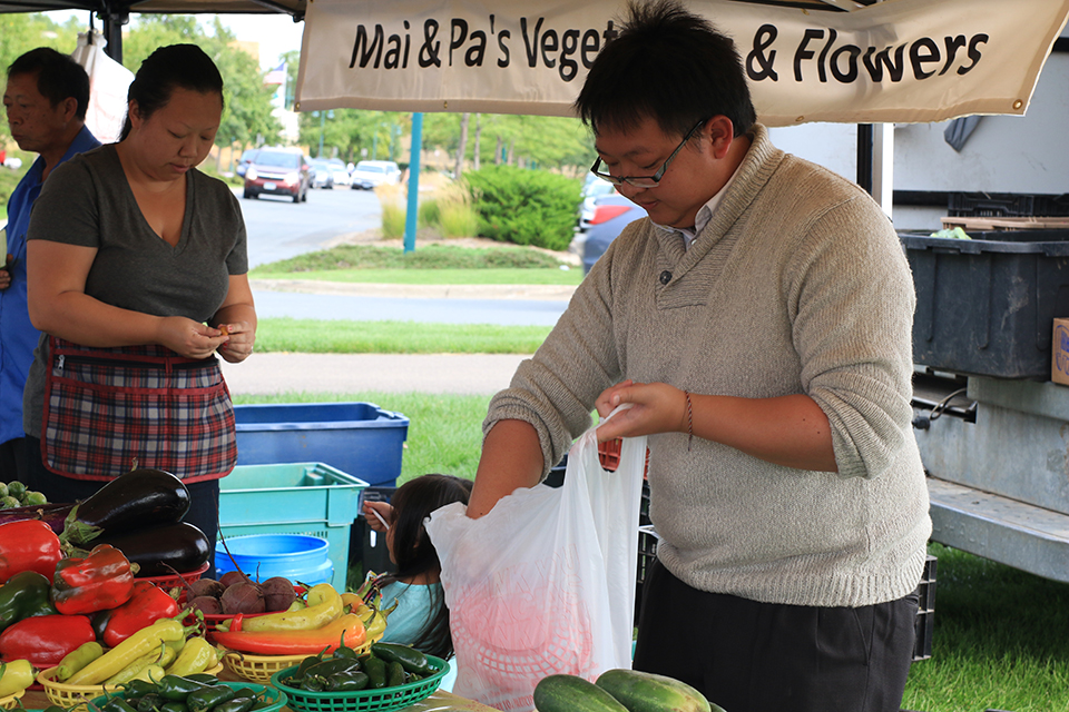 market vendor a moua