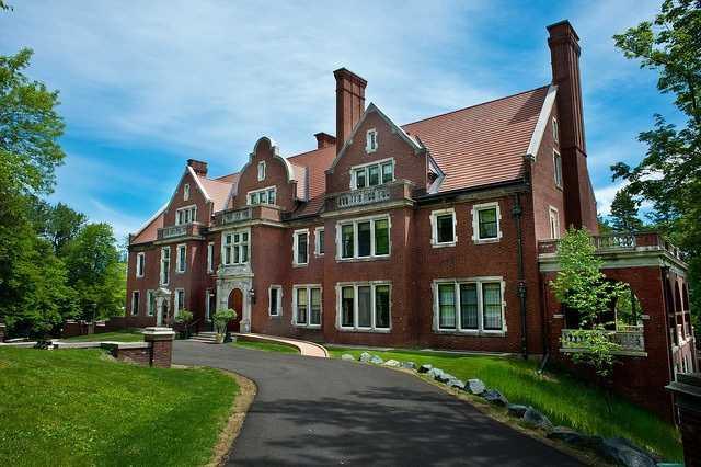 Glensheen mansion in 2015