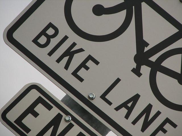 bike lane ends sign