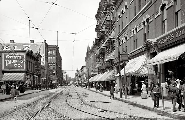 Wabasha Street circa 1905.
