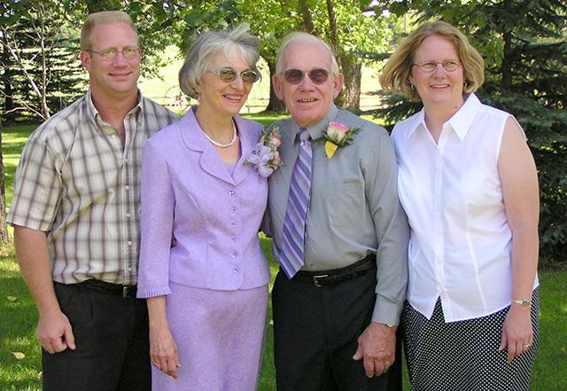 Lois and Ken Anderson's 50th wedding anniversary in 2006
