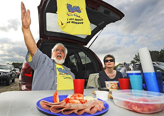 Peter Boehm and Nancy Peterson of Falcon Heights tailgating