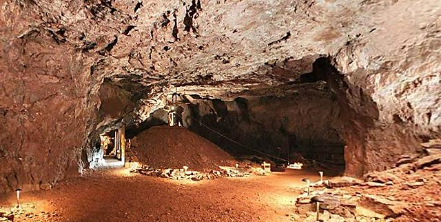 East slope of the Soudan underground mine's 27th level.