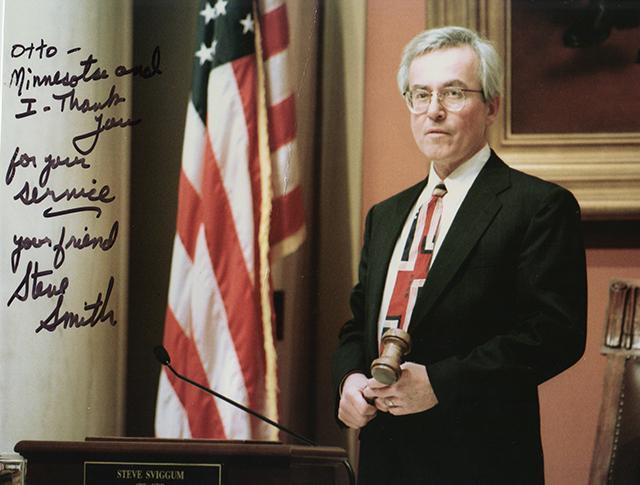 Smith autographed a photo for his friend, Dennis Virden