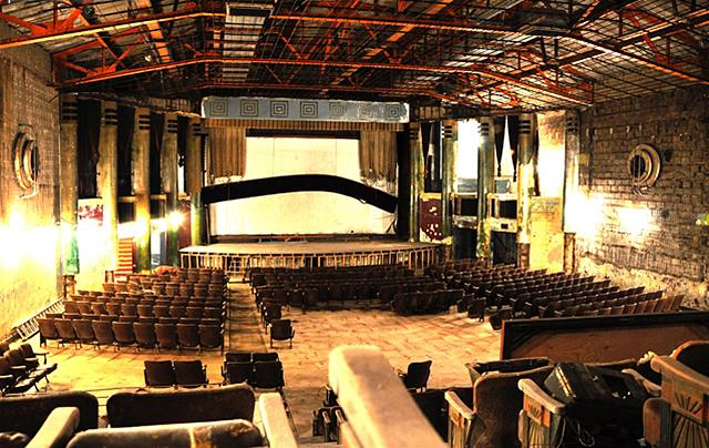 Minneapolis about to sell historic Hollywood Theater for $1