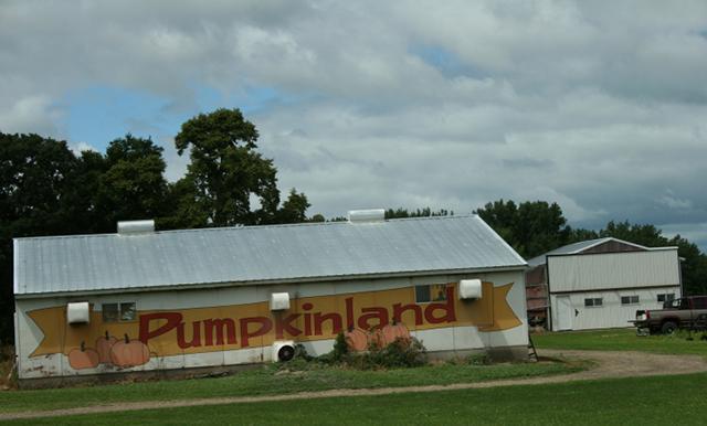 pumpkinland sign