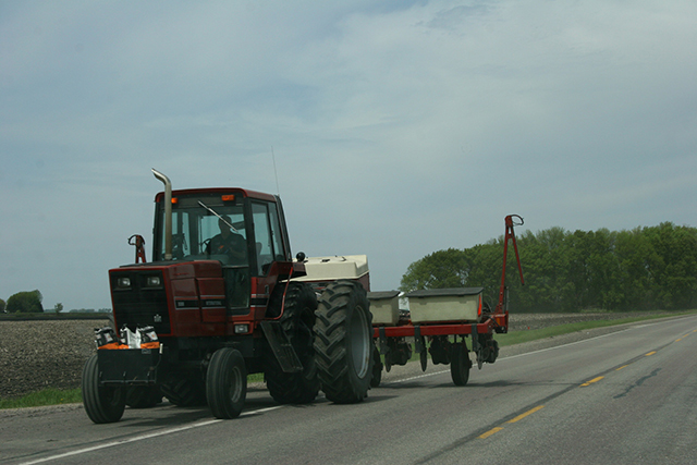 Field work, International on road west of New Ulm