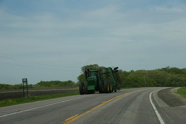 Field work, John Deere on curve west of New Ulm