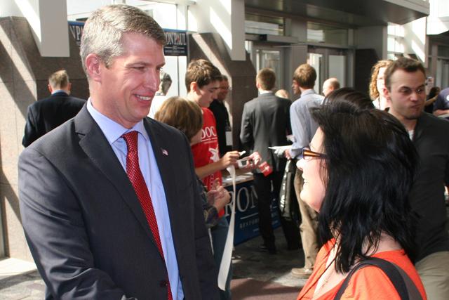 Kurt Bills speaking with delegate