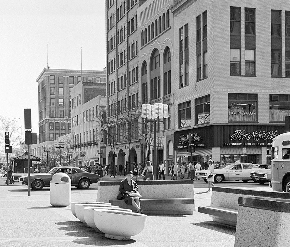 photo of nicollet mall
